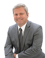 "Alex Turowski - Realtor at Wabeek Realty, Inc. 34921 US Highway 19 N., Ste. 140, Palm Harbor, FL 34684 Alex Turowski is a licensed real estate broker/associate, member of local and national association of realtors and CCIM (Certified Commercial Investment Member), which is a top recognized designee in commercial real estate in the world. Alex has been selling residential and commercial properties for over 20 years. After working in many places and marketing and selling all types of properties, Alex decided to make Pinellas County the location for Wabeek Realty and Palm Harbor his home. Alex speaks Polish. Alex Turowski jest polskim brokerem / pośrednikiem nieruchomości w Palm Harbor, Pinellas County na Florydzie. Alex jest członkiem lokalnych i globalnych stoważyszeń ""Realtors"" oraz CCIM (""Certified Commercial Investment Member""), która jest wiodącym stowżyszeniem brokerów nieruchomości komercyjnych na świecie. Alex ma 20- letnie doświadczenie w sprzedaży nieruchomości mieszkalnych i komercyjnych. Alex mówi po polsku. (727) 224 - 1317 Email: aturowski@ccim.net www.wabeekrealty.com"
